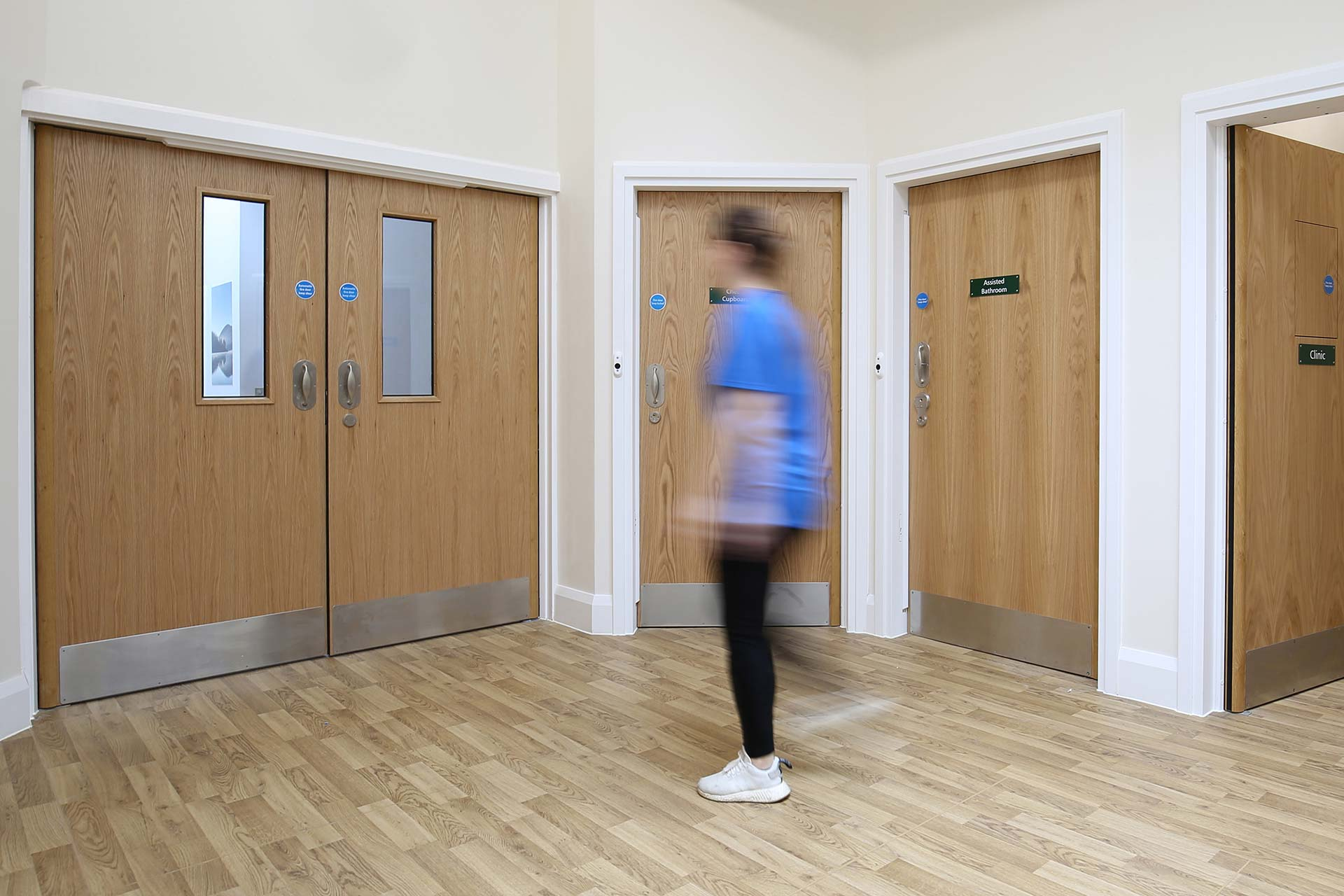 Darlington-090a-corridor-doorset