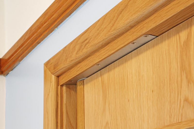 Concealed door closer