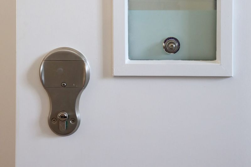 Metal vision panel bead